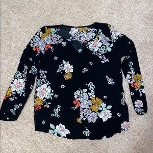 Old navy black and floral 3/4 sleeve vneck